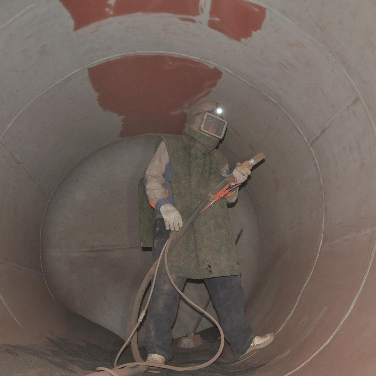 пескоструйная обработка резервуара